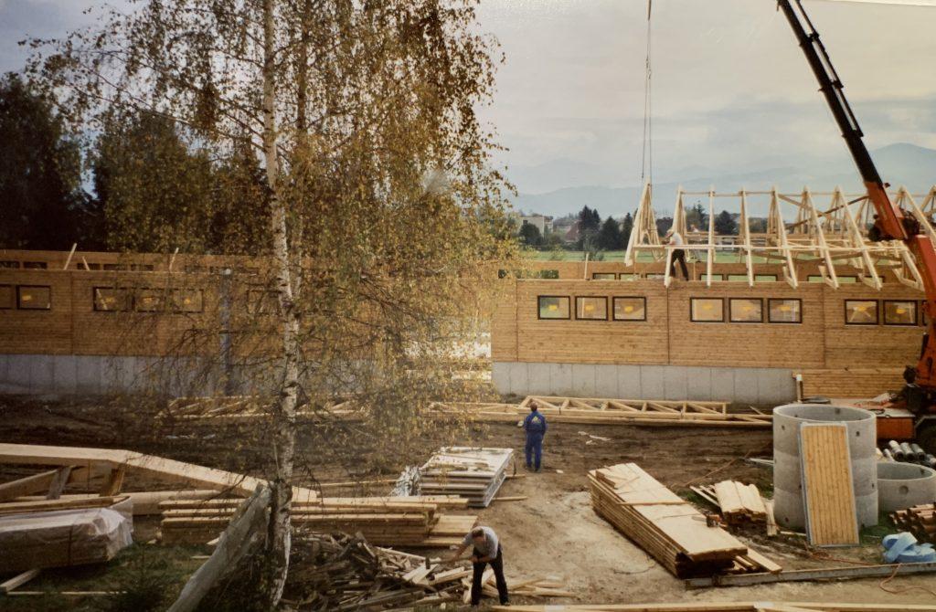 Laufstall in Zeltweg wird gebaut